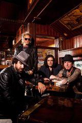 Membrii Velvet Revolver si L.A. Guns formeaza o noua formatie