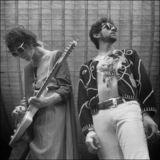 MGMT au cantat alaturi de solistul Oasis