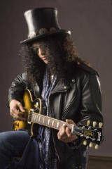 Slash va canta alaturi de Courtney Love si Tommy Lee
