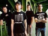 Urmariti noile videoclipuri Rise Against si Jack Johnson pe METALHEAD