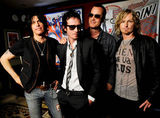 Stone Temple Pilots amana turneul pentru a lucra la album