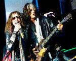 Joe Perry (Aerosmith) catre solisti: Trimiteti casete demo managerului meu (video)