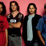 BBC isi cer scuze pentru incidentul Rage Against The Machine