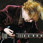 AC/DC lanseaza un nou Best Of dar si un nou videoclip