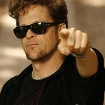 Jason Newsted, fostul basist Metallica, prezinta o expozitie de arta (video)