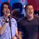 Huidu si Gainusa canta si danseaza pe AC/DC (video)