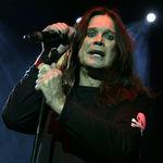 Ozzy Osbourne isi sperie fanii intr-un muzeu de ceara (video)