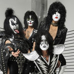 Kiss au fost intervievati in Londra (video)