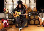 Slash a fost intervievat in Italia (video)