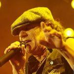 AC/DC se numara printre cei mai bogati muzicieni din 2010