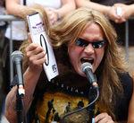 Sebastian Bach inregistreaza alaturi de tobosarul Guns N Roses