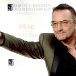 Bono incaseaza 17 milioane de dolari din asigurarea medicala