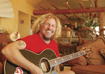 Sammy Hagar a fost intervievat in California (video)