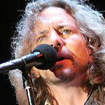 Eddie Vedder de la Pearl Jam compune o piesa pentru