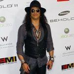 Slash spune ca uneori era prea beat ca sa poata canta