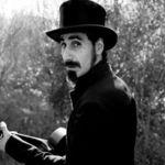 Serj Tankian: Artistul secolului 21 (Interviu video)