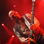 Kerry King, chitaristul Slayer, s-a intors pe scena (video)