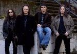 Queensryche semneaza cu Loud & Proud Records