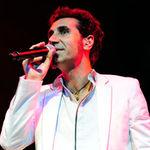 Serj Tankian a fost acompaniat de orchestra la Reading Festival