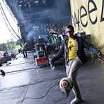 Weezer au cantat piese MGMT, Lady Gaga si Wheatus (video)