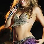 Shakira a cantat un cover dupa Nothing Else Matters (video)