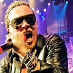 Guns N Roses se confrunta cu o amenda de 100 000 de dolari