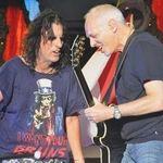 Peter Frampton il inlocuieste pe Alice Cooper la radio