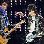 Keith Richards recunoaste ca a inhalat cenusa tatalui sau