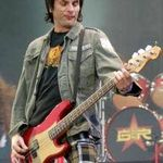 Basistul Guns N Roses prezinta o noua piesa solo