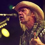 Depozitul lui Neil Young a fost implicat intr-un incediu. Pagube de un milion de dolari