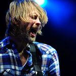 Thom Yorke roaga fanii Radiohead sa formeze o sculptura umana