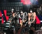 In backstage alaturi de Kiss