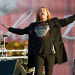 Def Leppard lanseaza primul lor album live (video)