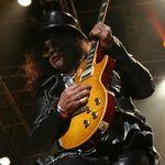 Slash: Axl este unul dintre cei mai buni