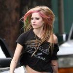 Avril Lavigne a aparut in Vanity Fair (foto)