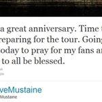 Dave Mustaine se roaga la biserica pentru fani