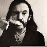 Lemmy: E lamentabil sa anunti trei sau patru turnee de adio