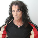 Alice Cooper a adus un sarpe la Rock And Roll Hall Of Fame