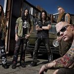 Five Finger Death Punch au ramas fara basist
