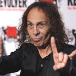Un an fara James Ronnie Dio