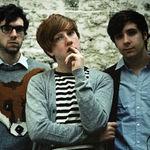 Two Door Cinema Club compun piese de stadion pentru al doilea album
