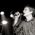 Se implinesc 31 de ani de la moartea lui Ian Curtis (Joy Division)