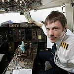 Bruce Dickinson: Nu am bani pentru un avion personal