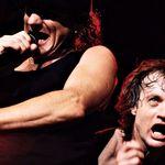 Solistul AC/DC este atacat de grupurile crestine