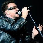 U2 ii dedica o piesa lui Clarence Clemons (video)