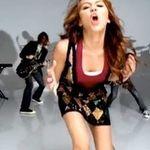 Coverul facut de Miley Cyrus dupa Gorillaz declanseaza ura (video)
