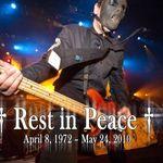 Slipknot au tinut cele doua minute pentru Paul Gray (video)