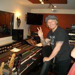 Velvet Revolver: Corey Taylor a inregistrat zece piese