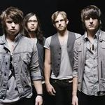 Kings Of Leon isi anuleaza turneul american