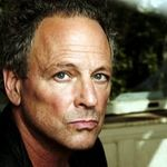 Lindsey Buckingham pleaca in turneu